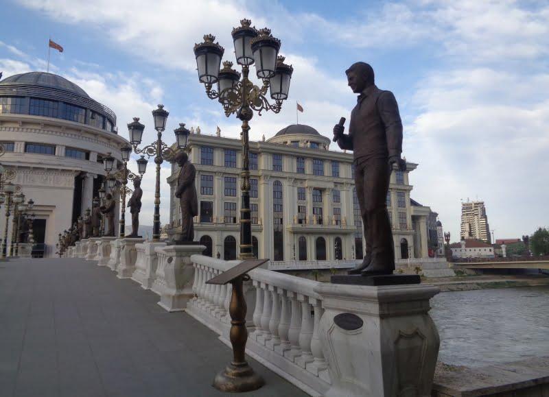 Kip Toše Proeski, Skopje. (Foto: Mojca Šipek)