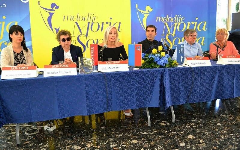 Organizatorji so predstavili potek festivala ... (Foto: Alesh Maatko)