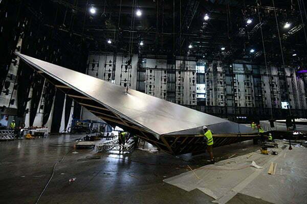 Scenografija (daljši del je dolg 26 metrov, krajši 18). (Foto: m-m-pr.com / Ola Melzig)